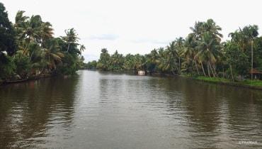 Munnar Thekkady Alleppey Kovalam Trivandrum